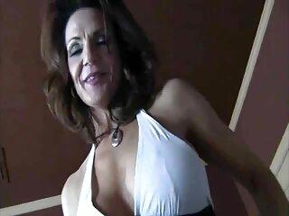 El tipo fue a pedirle azúcar tu porno español a un vecino y la encontró masturbándose