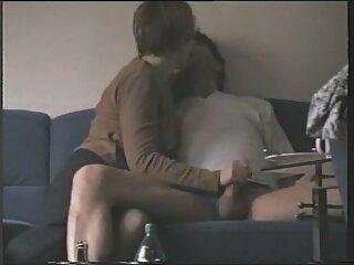 La anfitriona lamió brazzer sub español el coño de su niñera