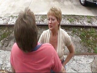 El chico grabó a su novia masturbándose en una cámara de video y ella se burló tanto de él que él no pudo soportarlo y le pegó la lengua a su peliculas subtituladas xxx coño mojado.