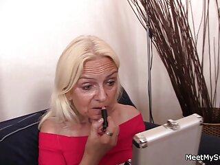 Polina Maksimova españolas follando en la playa desnuda en MAXIM magazine