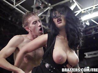 Kylie videos porno traducido en español juega con un juguete y recibe una polla