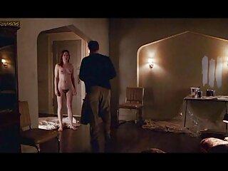 La enfermera Andrea se masturba con un gran consolador pprno español