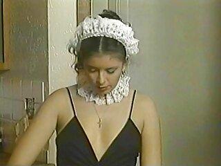 La belleza se estaba preparando durante mucho tiempo para impresionar a su esposo videos caseros en español xxx con un genial striptease.