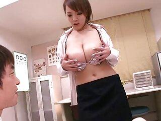 ¡Es jugosa, madura, en forma y apasionada! ¡Ella quiere mucho amor! El solo porno español fontanero inteligente quiere consolar a la desafortunada dama