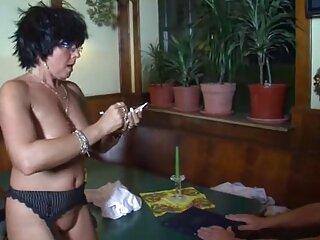 ¡Qué culo tan flexible de puta rusa! porno traducido en castellano