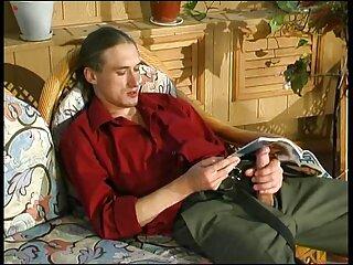 Por ingenio, un médico lujurioso premia al paciente con una mamada diligente, y luego peliculas porno con historia en español vemos la follada de una belleza tetona en diferentes posiciones.