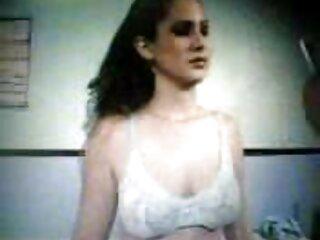 Chica callejera convencida de ponerse el uniforme escolar y follar con el profesor videos xxx subtitulados al español