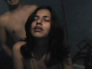 Jugoso culo apretado follando en aceite. porno en espanol latino Morena se bajó las bragas y se la arrancó